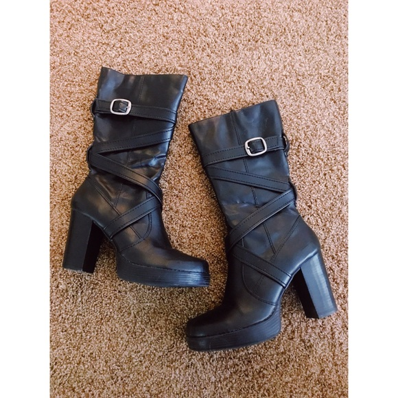 7f5667034bf Vintage 90s Black Faux Vegan Leather Boots Sz 9. M 5ba5ade60cb5aaa61d928ccd